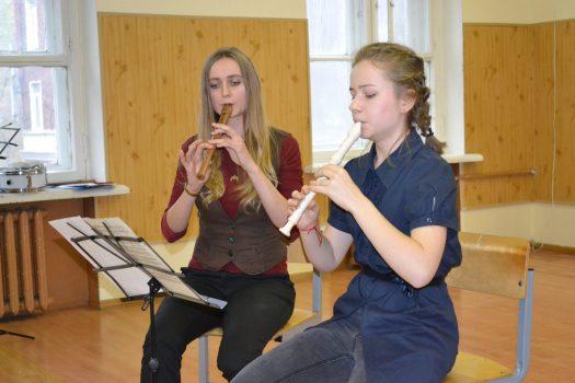 Уроки музыки в вальдорфской школе святого Георгия Победоносца